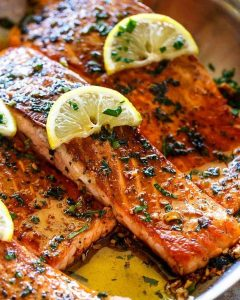 Pan Seared Salmon w/ Lemon Garlic Butter Sauce