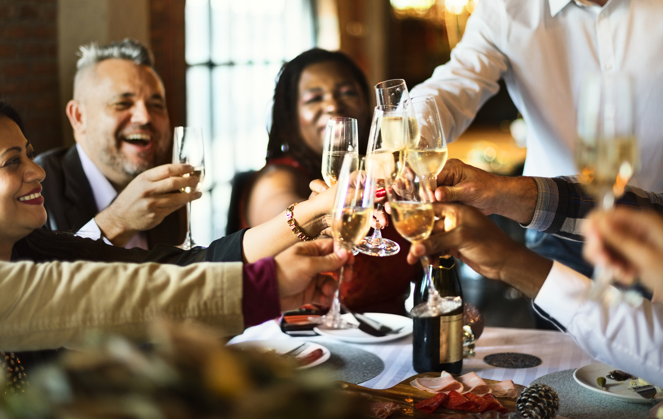 How to Navigate Holiday Parties on The Keto Diet